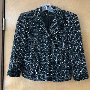 Women's cropped black tweed blazer